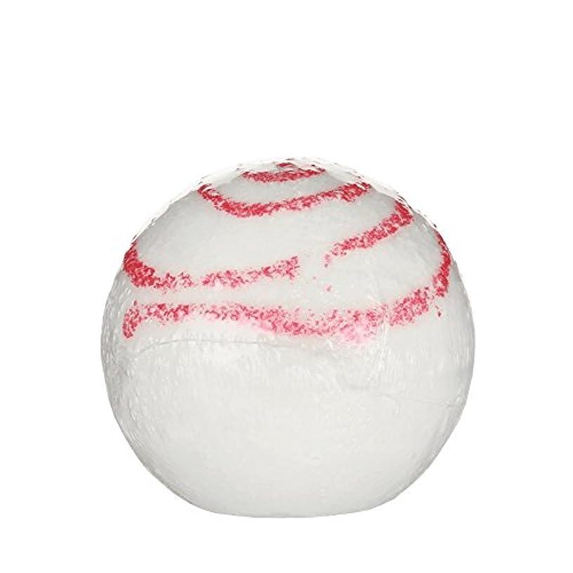 郵便番号まばたき羨望Treetsバスボールグリッターキス170グラム - Treets Bath Ball Glitter Kiss 170g (Treets) [並行輸入品]