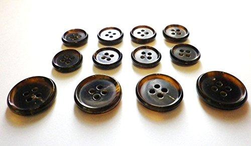 本水牛ボタン №580 貴重な茶色 定番の形  (15mm8個 20mm4個 スーツ1着分SET)