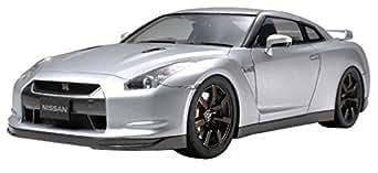 タミヤ 1/24 スポーツカーシリーズ No.300 ニッサン GT-R プラモデル 24300