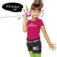 the telephones「WoNDeR WoMaN 〜WoNDeR Boy version〜」のジャケット画像