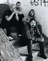 ブロマイド写真★フー・ファイターズ Foo Fighters/階段に座る4人/【ノーブランド品】