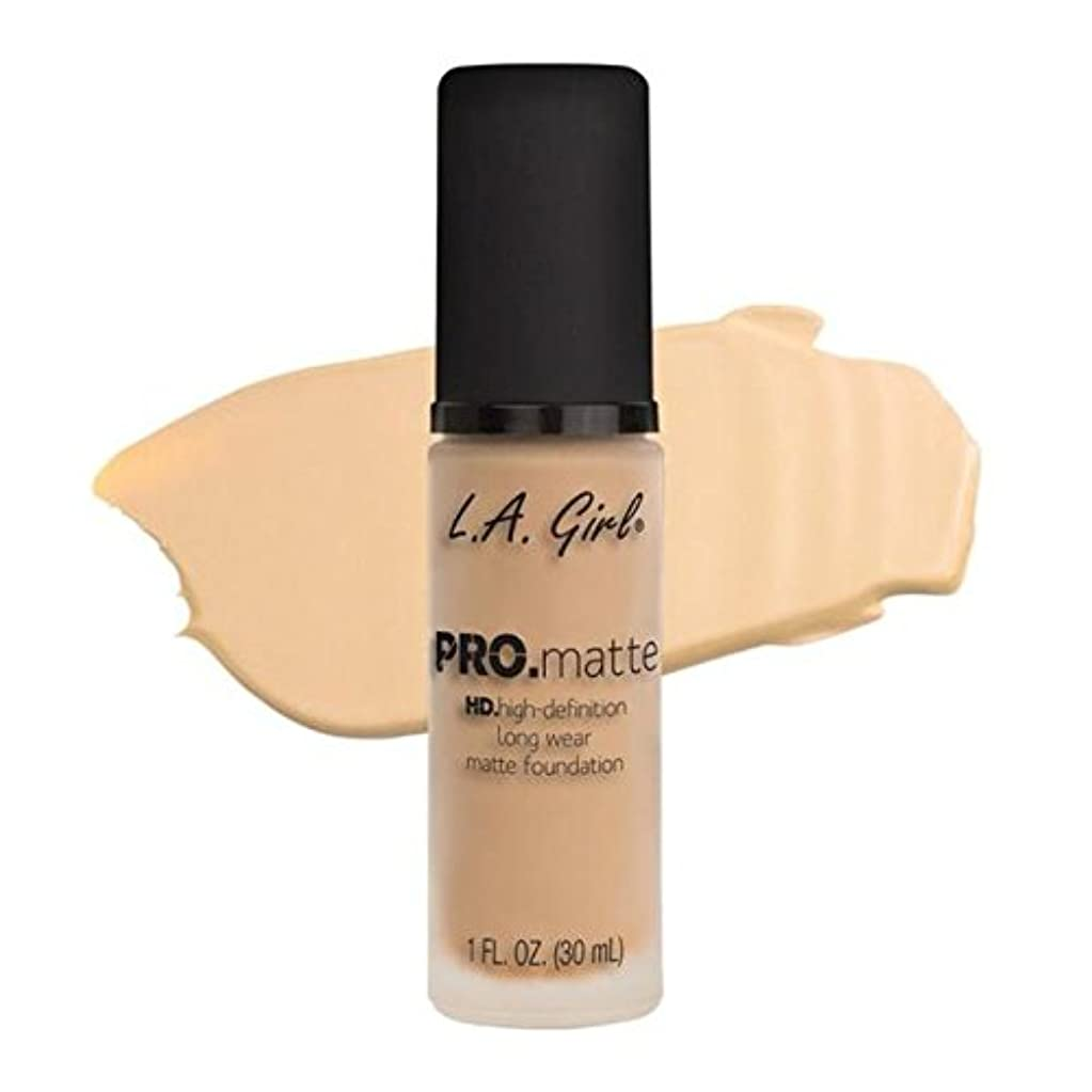 調停するオートメーションこねるLA Girl PRO.mattte HD.high-definition long wear matte foundation (GLM671 Ivory)