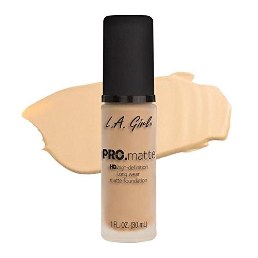 あごフェデレーションきらめくLA Girl PRO.mattte HD.high-definition long wear matte foundation (GLM671 Ivory)
