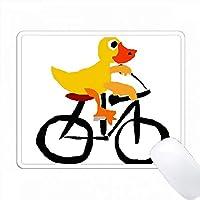 おかしいイエローダック自転車原始的な芸術 PC Mouse Pad パソコン マウスパッド