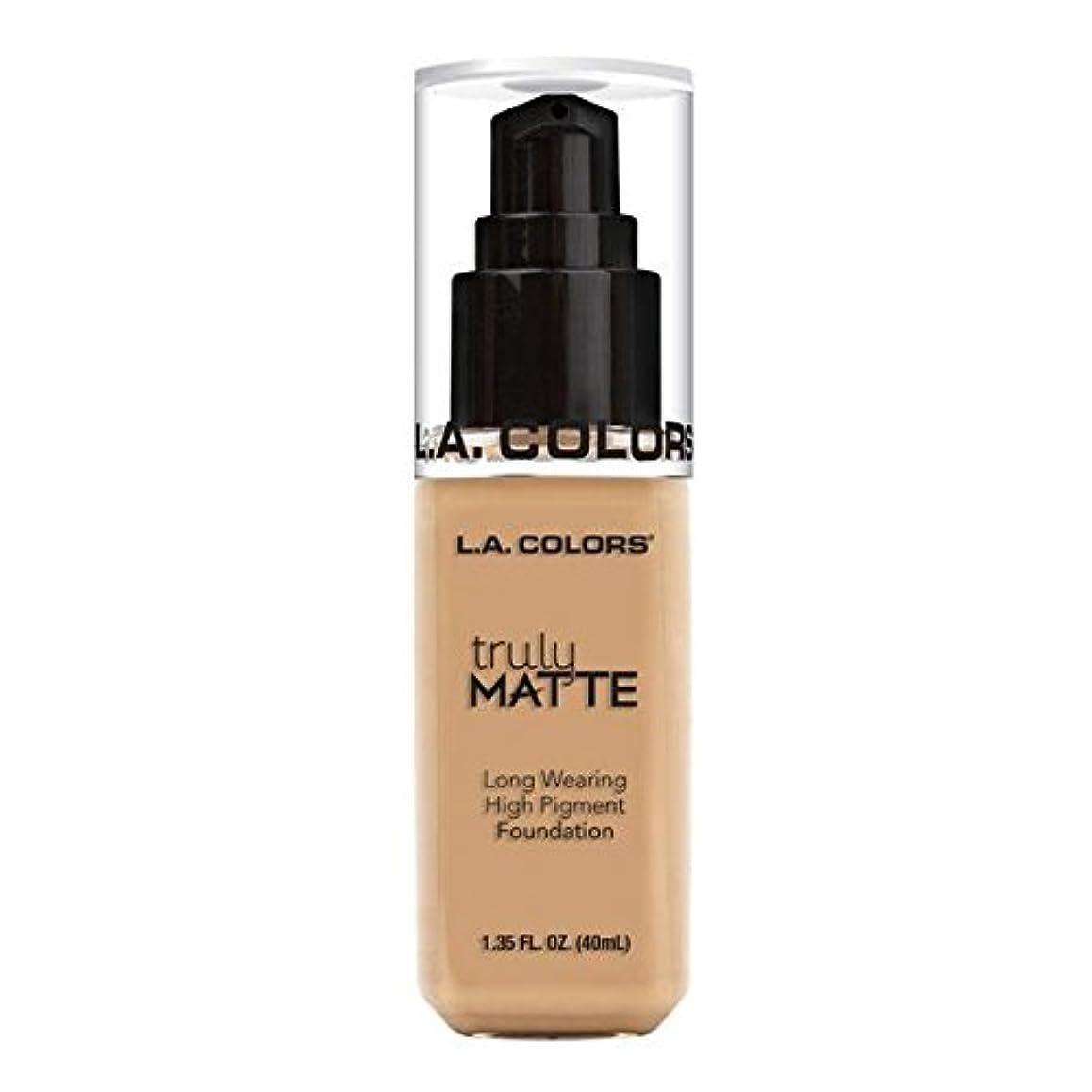 ミリメートル見えるお勧め(6 Pack) L.A. COLORS Truly Matte Foundation - Natural (並行輸入品)