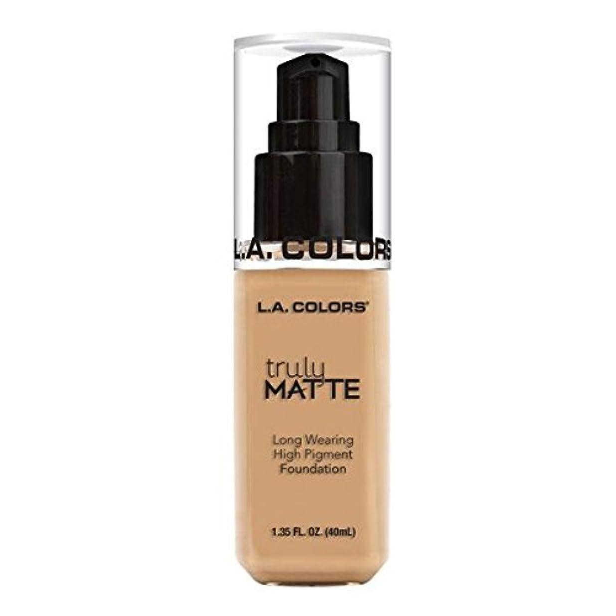 迷信彼テクスチャー(3 Pack) L.A. COLORS Truly Matte Foundation - Natural (並行輸入品)