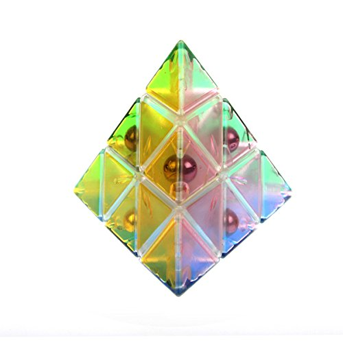 Mozhiの透明のピラミンクス