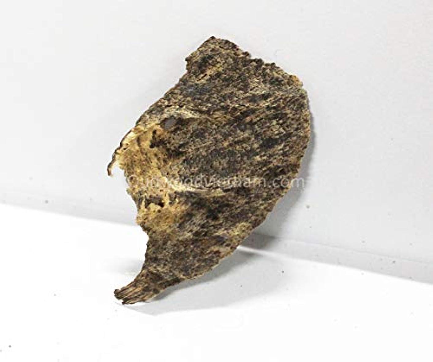 に沿って目を覚ます斧アガーウッドチップ オウドチップス お香 アロマ ナチュラル ワイルド レア アガーウッド チップ オードウッド ベトナム 純素材 グレード A++ 50g