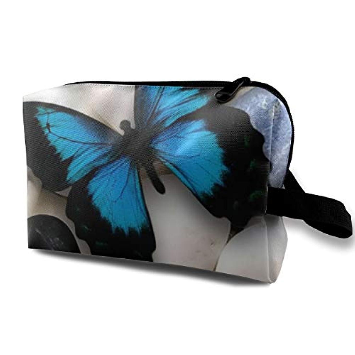 添付ビザ喉が渇いたBule Butterfly 収納ポーチ 化粧ポーチ 大容量 軽量 耐久性 ハンドル付持ち運び便利。入れ 自宅?出張?旅行?アウトドア撮影などに対応。メンズ レディース トラベルグッズ