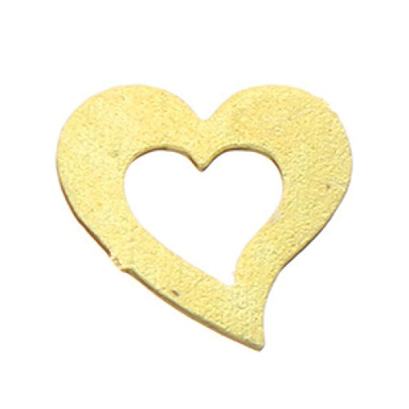 頑張る意気揚々空いているメタルプレート(ネイルストーン デコ)ハート (30個入り) ゴールド(ネイル用品)