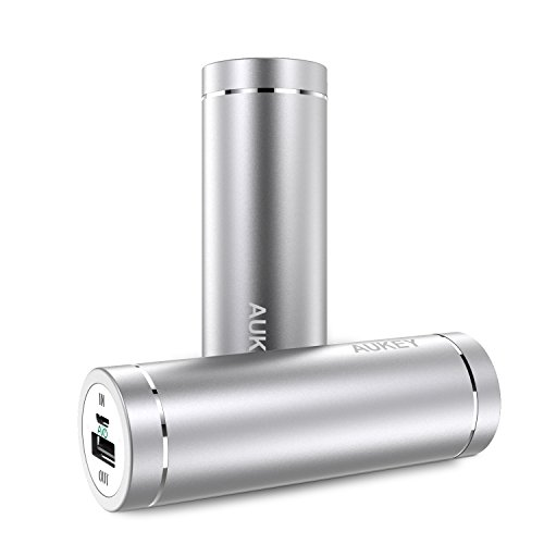 AUKEY モバイルバッテリー 5000mAh 超小型USB充電器 スマホ充電器iPhone 7 / iPhone 7 Plus / iPhone6S / Samsung Galaxy S6など各種他対応 急速充電 AiPower搭載 PB-N37 (シルバー)[改善版]