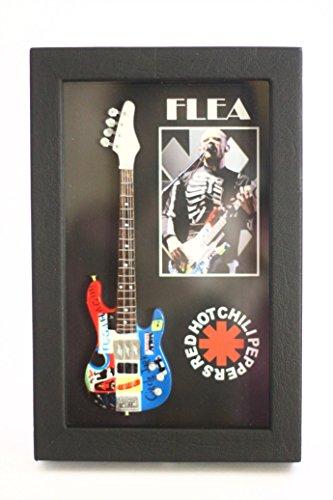 RGM8808 Flea Red Hot Chili Peppers Red Hot Chili Peppers レッド・ホット・チリ・ペッパーズ シャドウボックスフレームのミニチュアギターコレクション