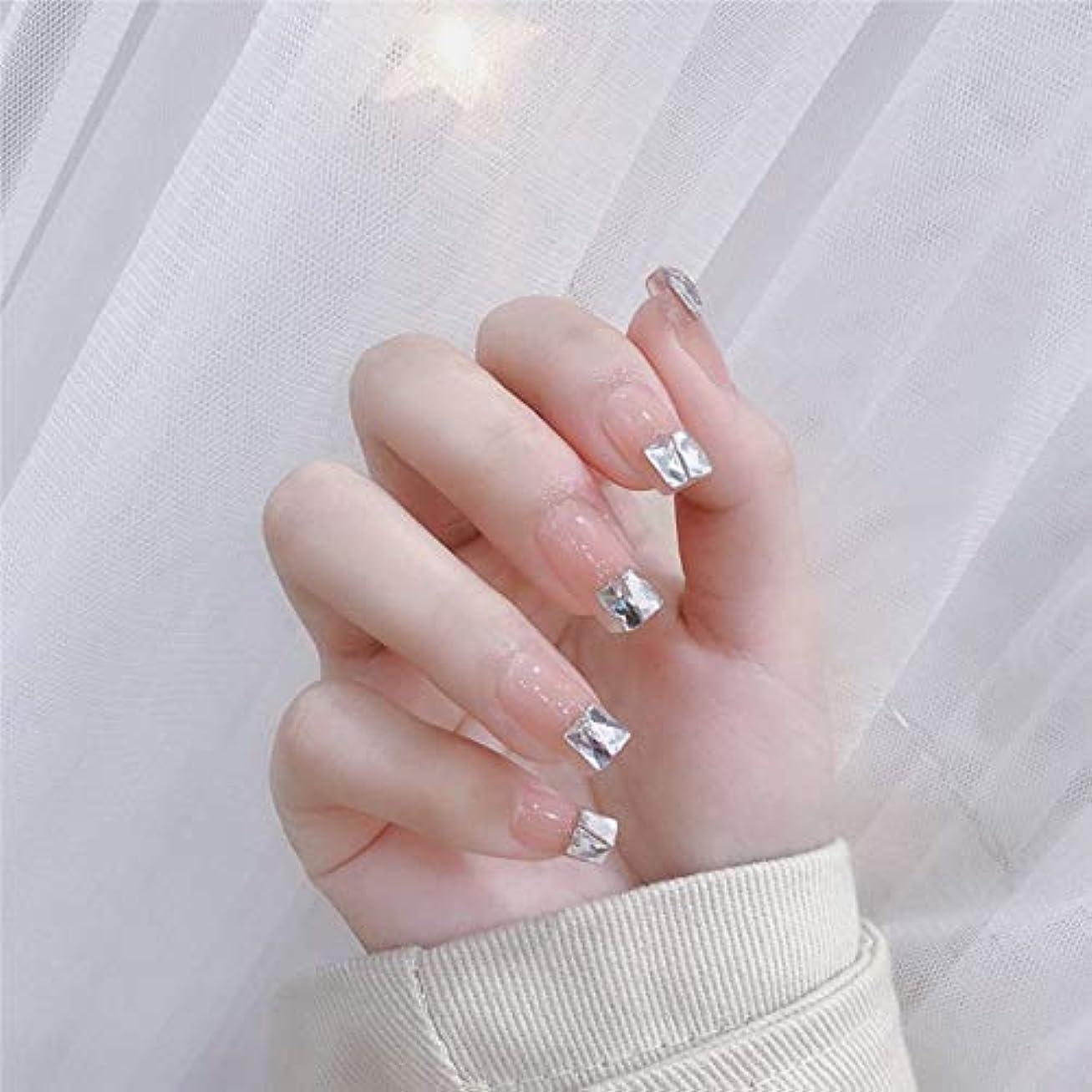 ささやき犠牲杖流行のスタイル 台形 きらめくダイヤモンド 桜の色 手作りネイルチップ 3Dネイルチップ 24枚入