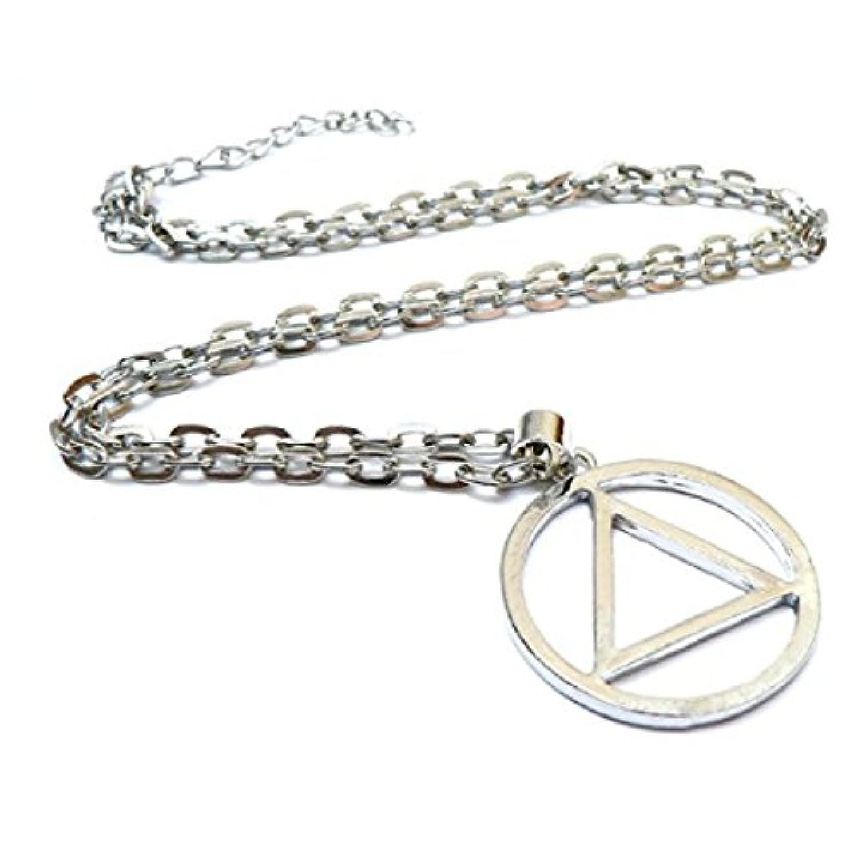 人気ファッション 合金 メンズ 三角形 ペンダント ヒップホップ ネックレス