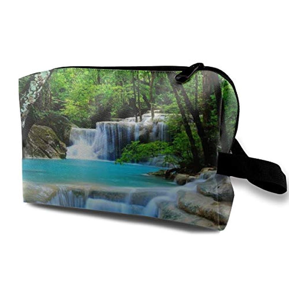 母性臨検疲労Waterfalls Forest Stones Trees 収納ポーチ 化粧ポーチ 大容量 軽量 耐久性 ハンドル付持ち運び便利。入れ 自宅・出張・旅行・アウトドア撮影などに対応。メンズ レディース トラベルグッズ