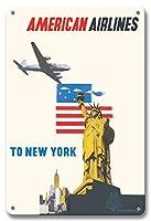 22cm x 30cmヴィンテージハワイアンティンサイン - ニューヨーク - アメリカン航空 - 自由の女神 - ビンテージな航空会社のポスター によって作成された エドワード・マックナイト・コウファー c.1948