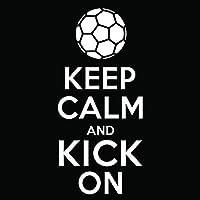 サッカーKeep Calm and Kick Onビニールデカールステッカー| Cars Trucks Vans Windowsノートパソコン壁カップ|ホワイト| 5.5X 2.5inches | kcd1859