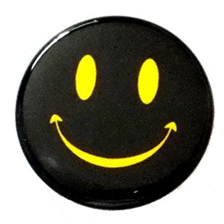 【ノーブランド品】 缶バッジ スマイル 黒 直径38mm 裏ピン