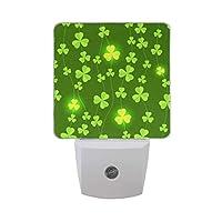 シャイニーシャムロックは、LEDナイトライトオートセンサー夕暮れから夜明けの光を残し、セントパトリックデーナイトライトプラグインは、大人の子供の寝室の装飾のために屋内に差し込みます