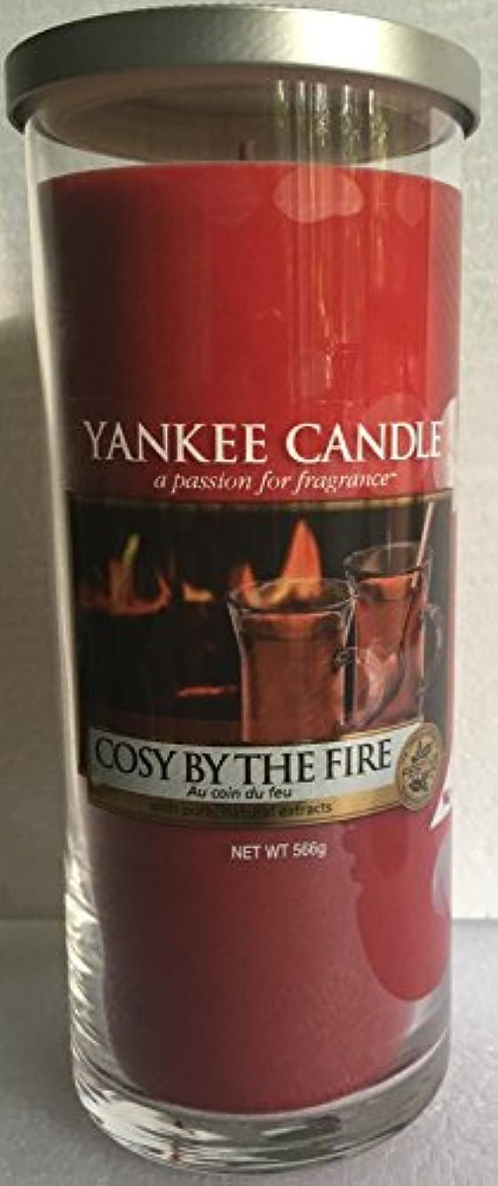 落ち込んでいる魅了する詐欺Yankee Candle Large Pillar Candle Cosy By The Fire ( Cozy )