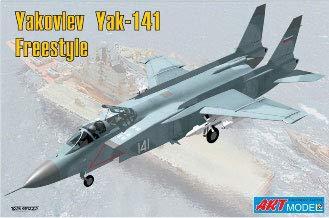 1/72 ヤコブレフ Yak-141 フリースタイル 超音速VTOL戦闘機 プラモデル