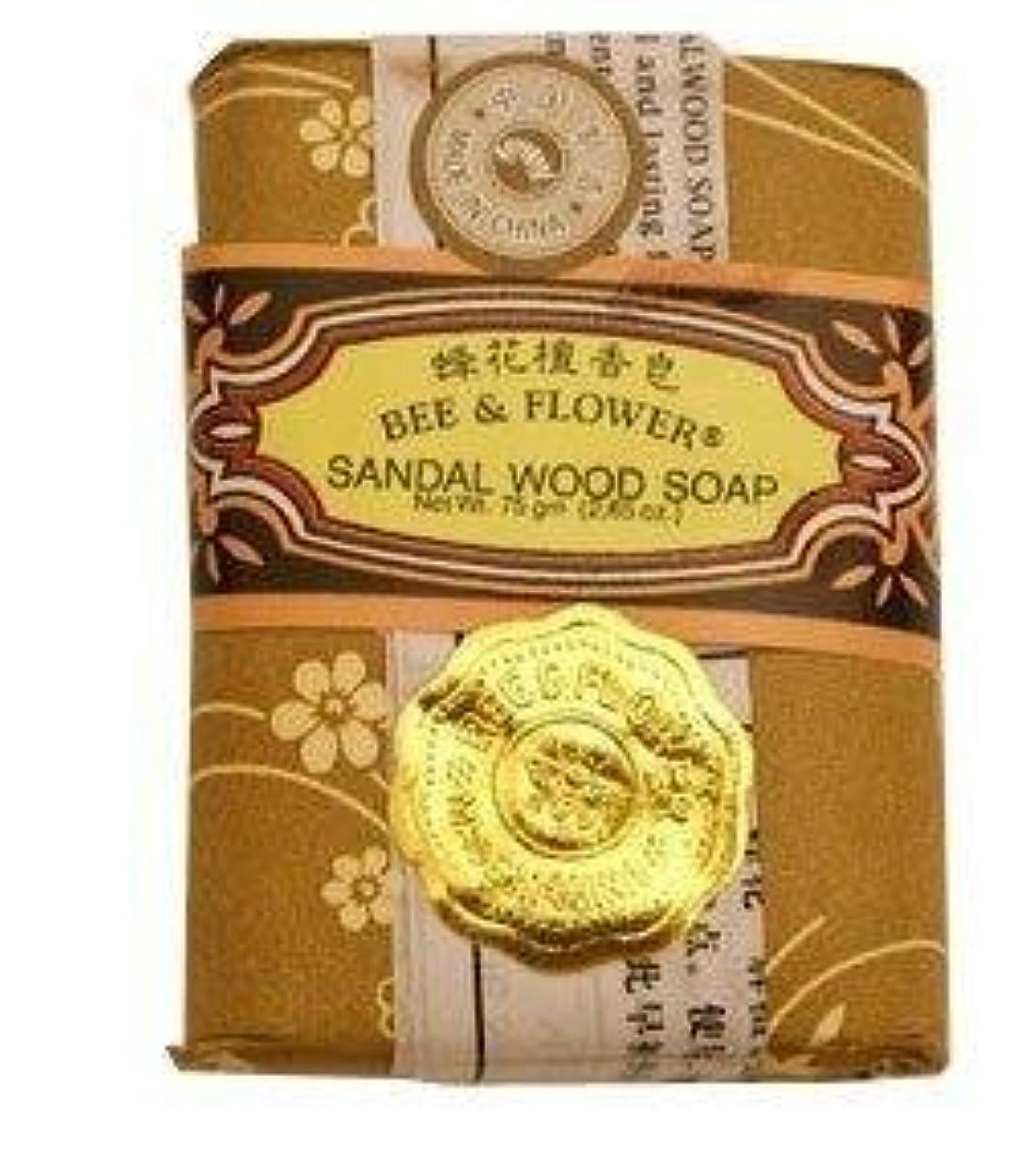 トラックスライスムスBee And Flower Sandal Wood Bar Soap 2.65 Ounce - 12 per case. [並行輸入品]
