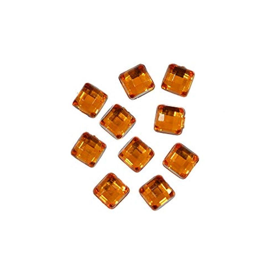 花瓶州枢機卿スクエアストーン 30粒 / 色々使える四角いアクリルストーン (トパーズ 4mm)