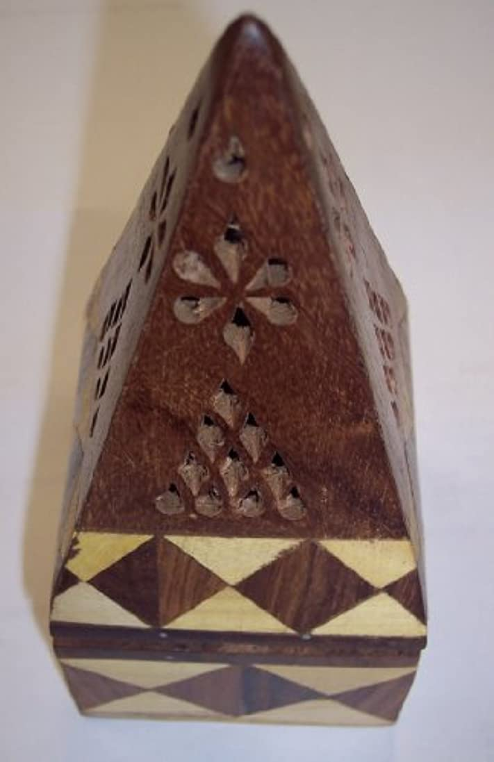 愚かなエスカレート面積ジョイント木製ピラミッドIncense Holder