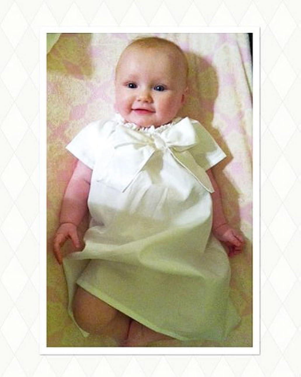 子羊音楽線ベビードレス☆シンプルリボン「BASIC BOW 」★フリフリの総レースが苦手なママさんに選ばれています。出産祝い?赤ちゃんのセレモニーに退院時新生児ベビーに着せたいシンプルなドレス。お宮参りの撮影にも大活躍!