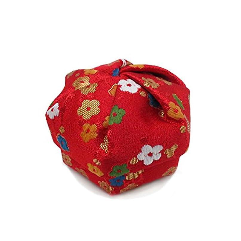 ぐるぐるにはまって繕う布香盒 赤系 紙箱入