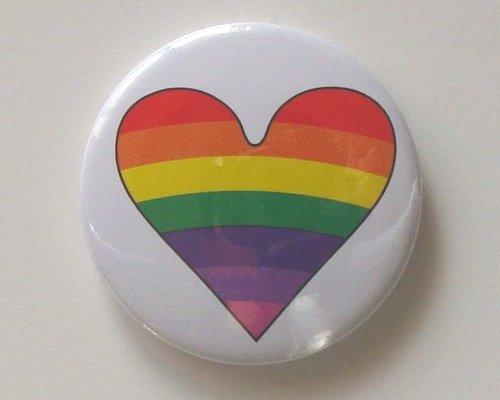 Rainbow Heart WH レインボー ハートマーク 缶バッジ London ストリート マーケットからc292[イギリス直輸入]