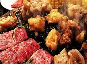 マイニチトッカ 焼肉セット1キロ(ハラミ200g、フランクフルト5本、マルチョウ200g、シマチョウ200g、小腸200g)