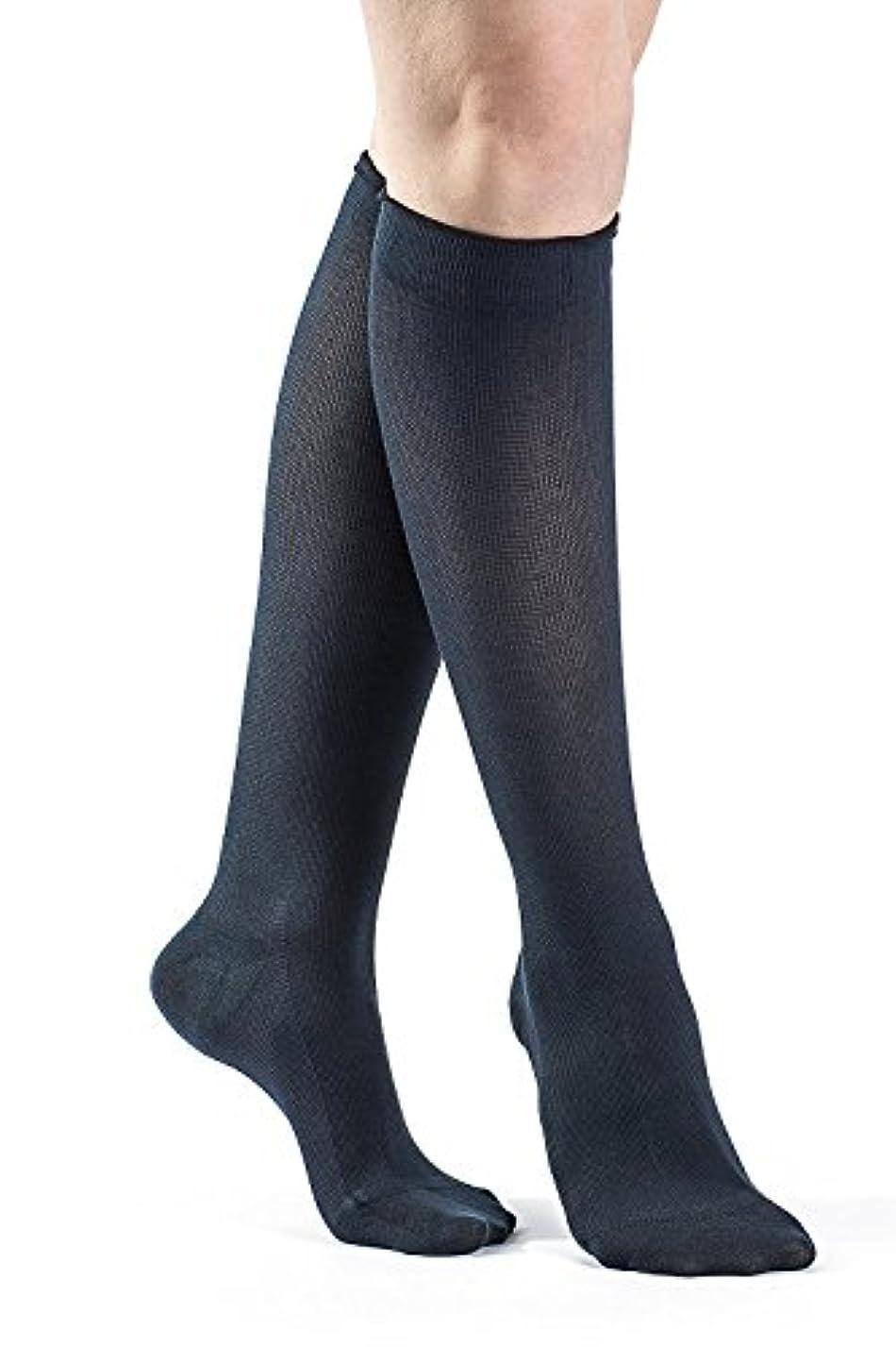 逸話周術期論争Sigvaris Sea Island Cotton 151CC10 15-20mmHg Womens Closed Toe, Calf Socks - Navy, Size C