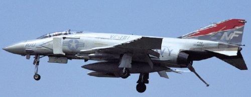 1/48 F-4SファントムII  ミッドウェイ ロービジ