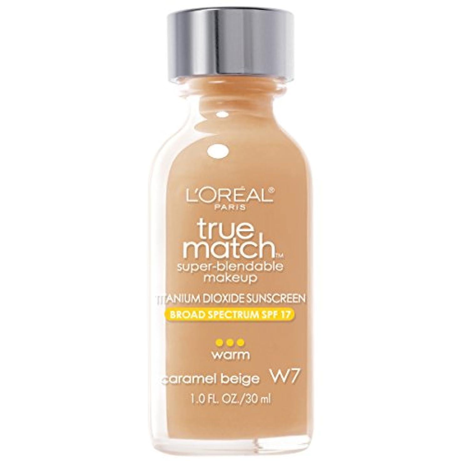 誘う繰り返し固体L'Oréal True Match Super-Blendable Foundation Makeup (CARAMEL BEIGE)