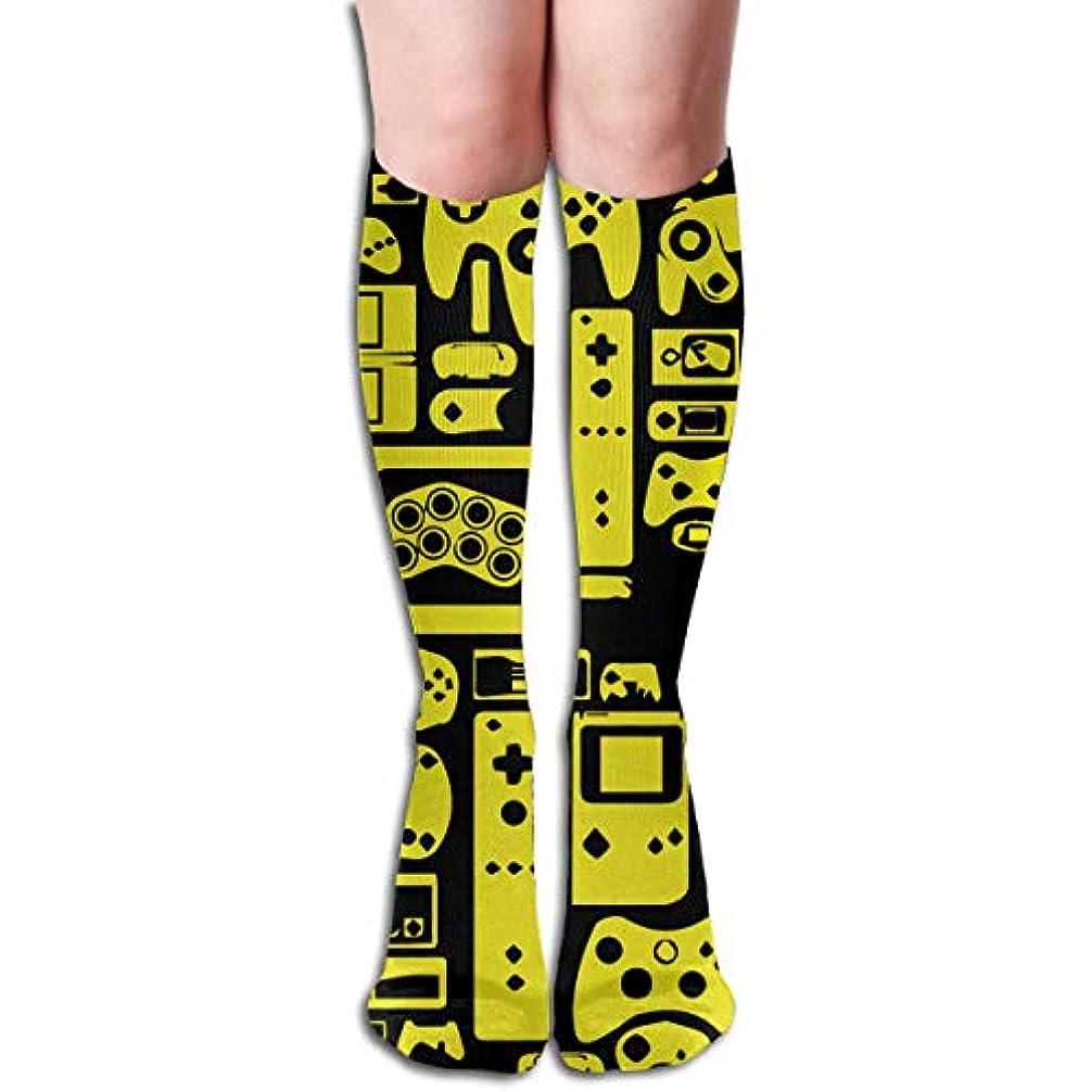 おばさんポーク直接qrriyノベルティファッションレトロなビデオゲーム3 Dプリントアスレチックソックス余分な長い靴下膝高ソックス男性女性の女の子の屋外活動のテーマ