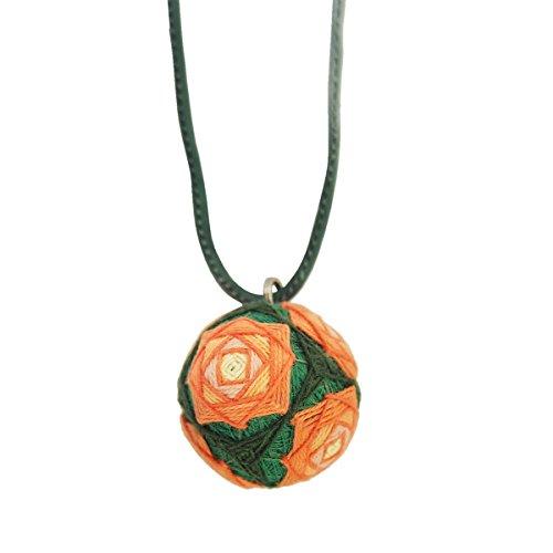 讃岐 伝統工芸 手作り かがり手まり 【ネックレス】 縁起物 濃い緑の生地に橙色の花