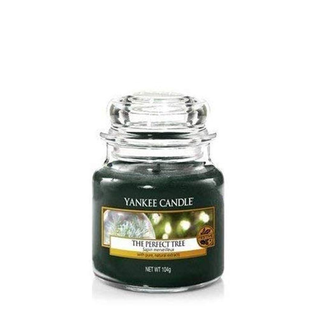 つばユーモラス手がかりYankee Candle The Perfect Tree Small Jar