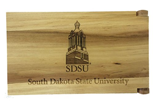 SD状態MancalaセットEngraved with South Dakota State University Campanile Landmarkします。