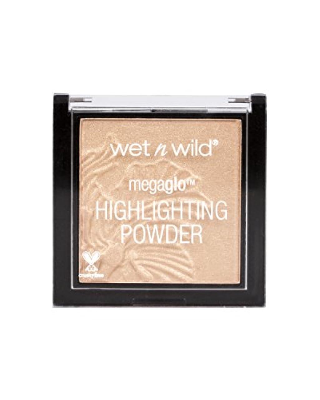 妻暴力的なトレッドWET N WILD MegaGlo Highlighting Powder - Precious Petals (並行輸入品)