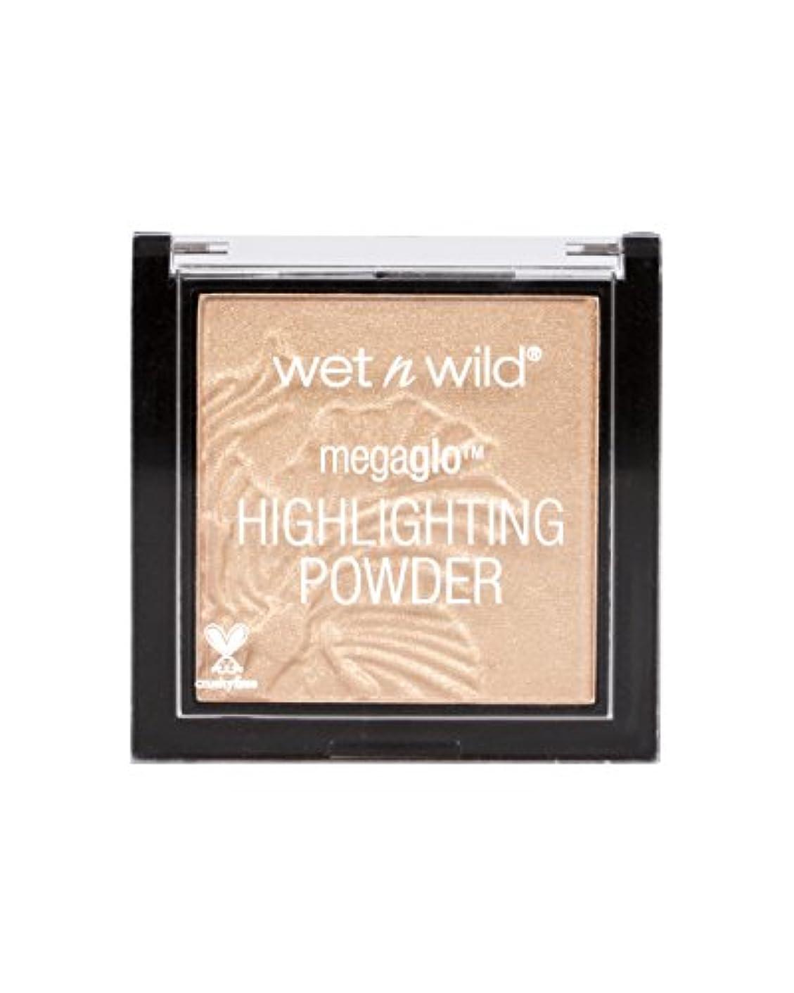 シェーバーがんばり続ける噴火WET N WILD MegaGlo Highlighting Powder - Precious Petals (並行輸入品)