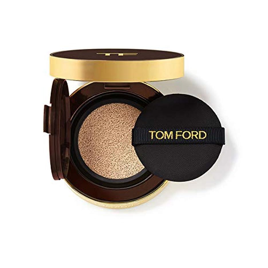 生きている時折正確にトム フォード ビューティ TOM FORD BEAUTY トレースレス タッチ ファンデーション SPF 45 サテンマット クッション コンパクト SPF45 12g 2.0 バフ (在庫)