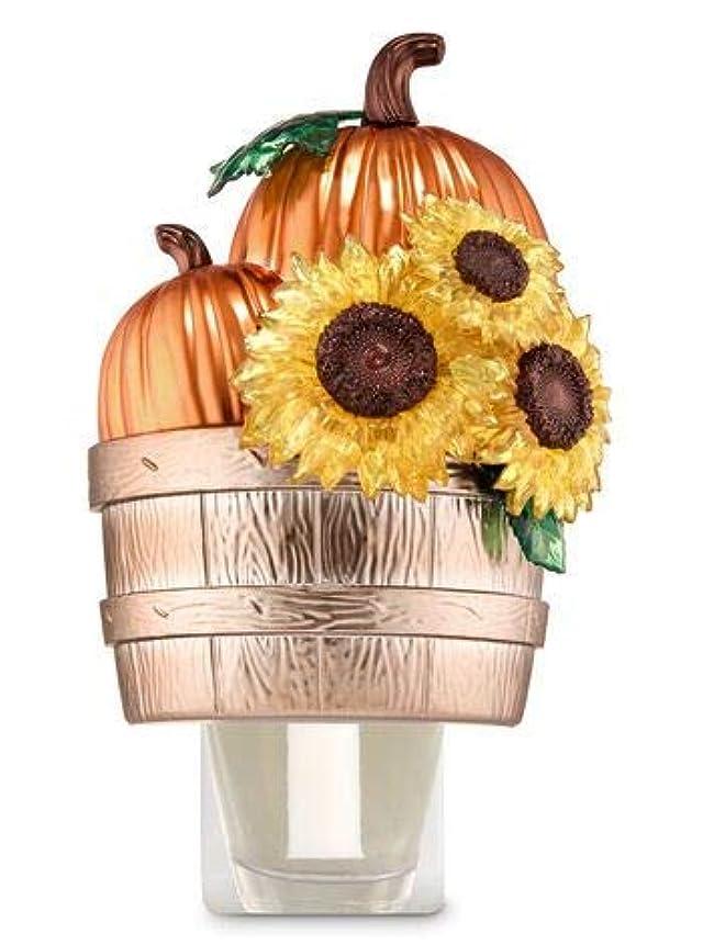 注意姉妹震える【Bath&Body Works/バス&ボディワークス】 ルームフレグランス プラグインスターター (本体のみ) パンプキン&サンフラワーバスケット Wallflowers Fragrance Plug Pumpkins...