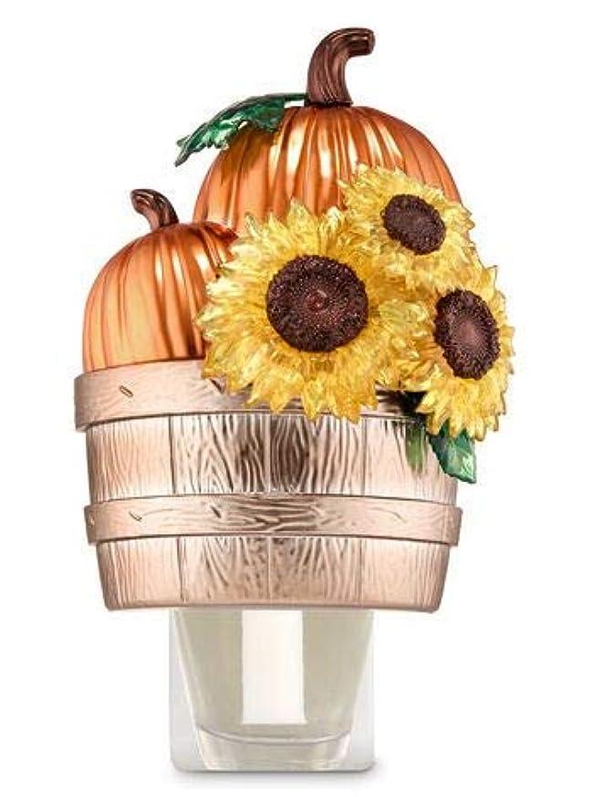 汚物夕暮れプログレッシブ【Bath&Body Works/バス&ボディワークス】 ルームフレグランス プラグインスターター (本体のみ) パンプキン&サンフラワーバスケット Wallflowers Fragrance Plug Pumpkins...