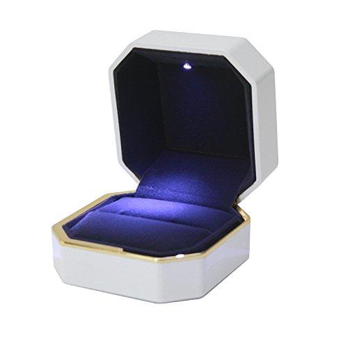 panaco リングケース 指輪を照らすLEDライト付 サプライズ プレゼント 大切な指輪の保管に 指輪ケース ジュエリーケース (ホワイト)