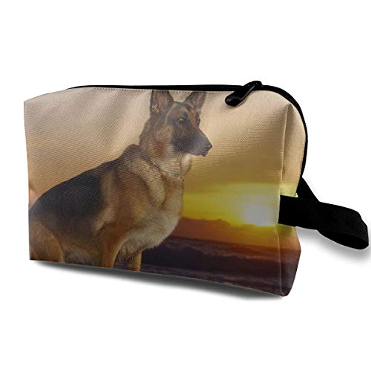 笑救出割れ目German Shepherd Dog 収納ポーチ 化粧ポーチ 大容量 軽量 耐久性 ハンドル付持ち運び便利。入れ 自宅?出張?旅行?アウトドア撮影などに対応。メンズ レディース トラベルグッズ