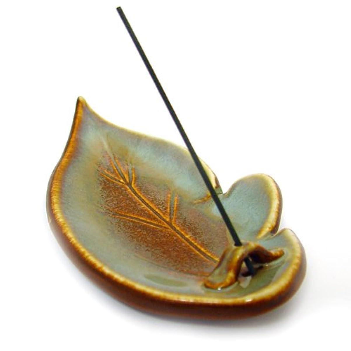 代数的パラメータ感染するShoyeido's Desert Sage Ceramic Leaf Incense Holder by SHOYEIDO [並行輸入品]