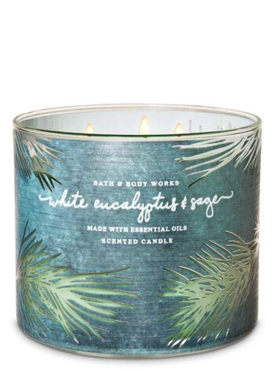 便利さ適応する理想的には【Bath&Body Works/バス&ボディワークス】 アロマ キャンドル ホワイトユーカリ&セージ 3-Wick Scented Candle White Eucalyptus & Sage 14.5oz/411g...