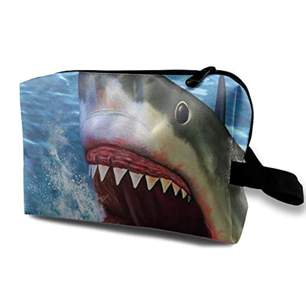 大監査定期的なGreat White Shark 収納ポーチ 化粧ポーチ 大容量 軽量 耐久性 ハンドル付持ち運び便利。入れ 自宅?出張?旅行?アウトドア撮影などに対応。メンズ レディース トラベルグッズ