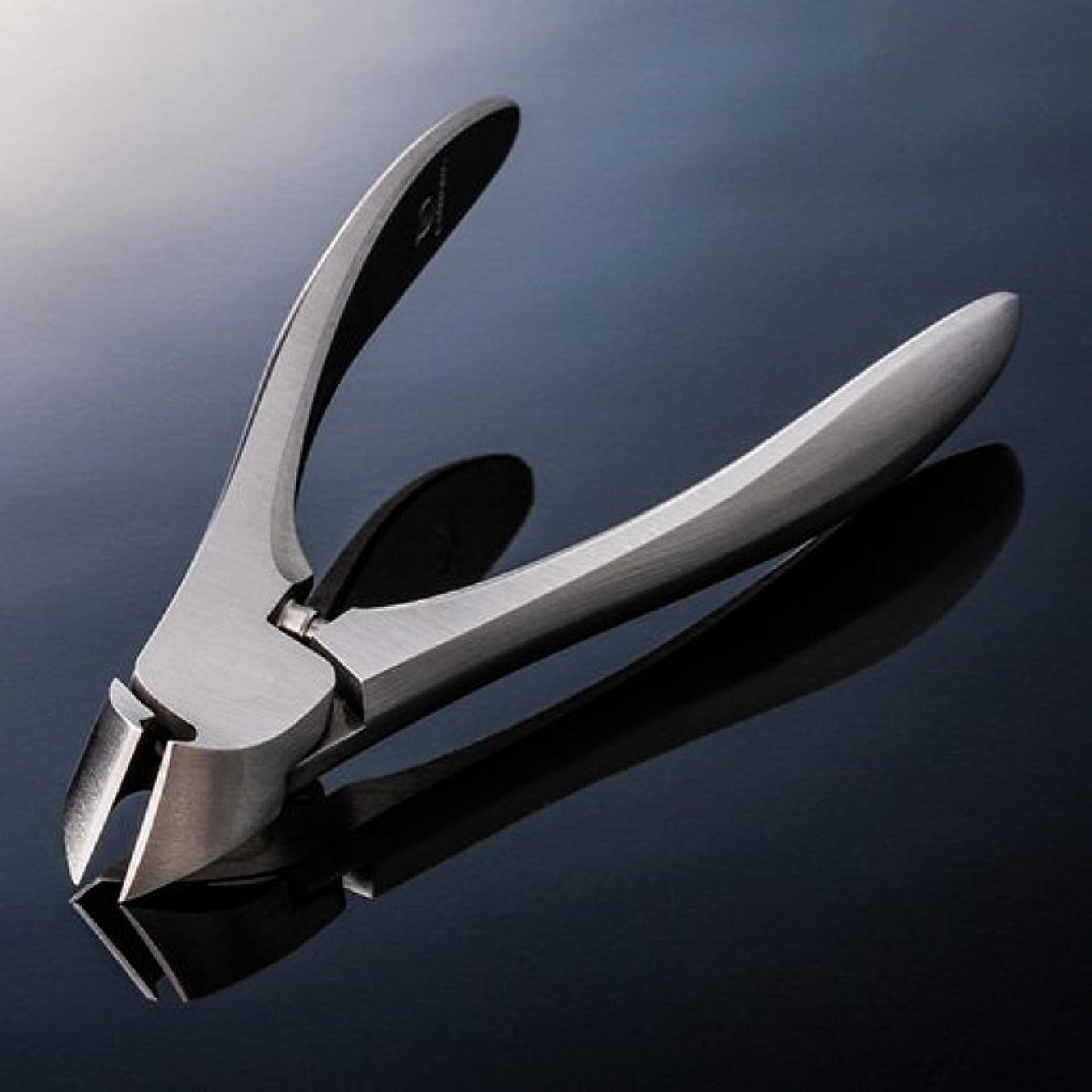 面とらえどころのない北へスワダ 爪切り 【クラシック足用】 専用メタルケース+SUWADA製爪やすり付き